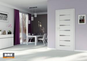 białe drzwi dre do łazienki