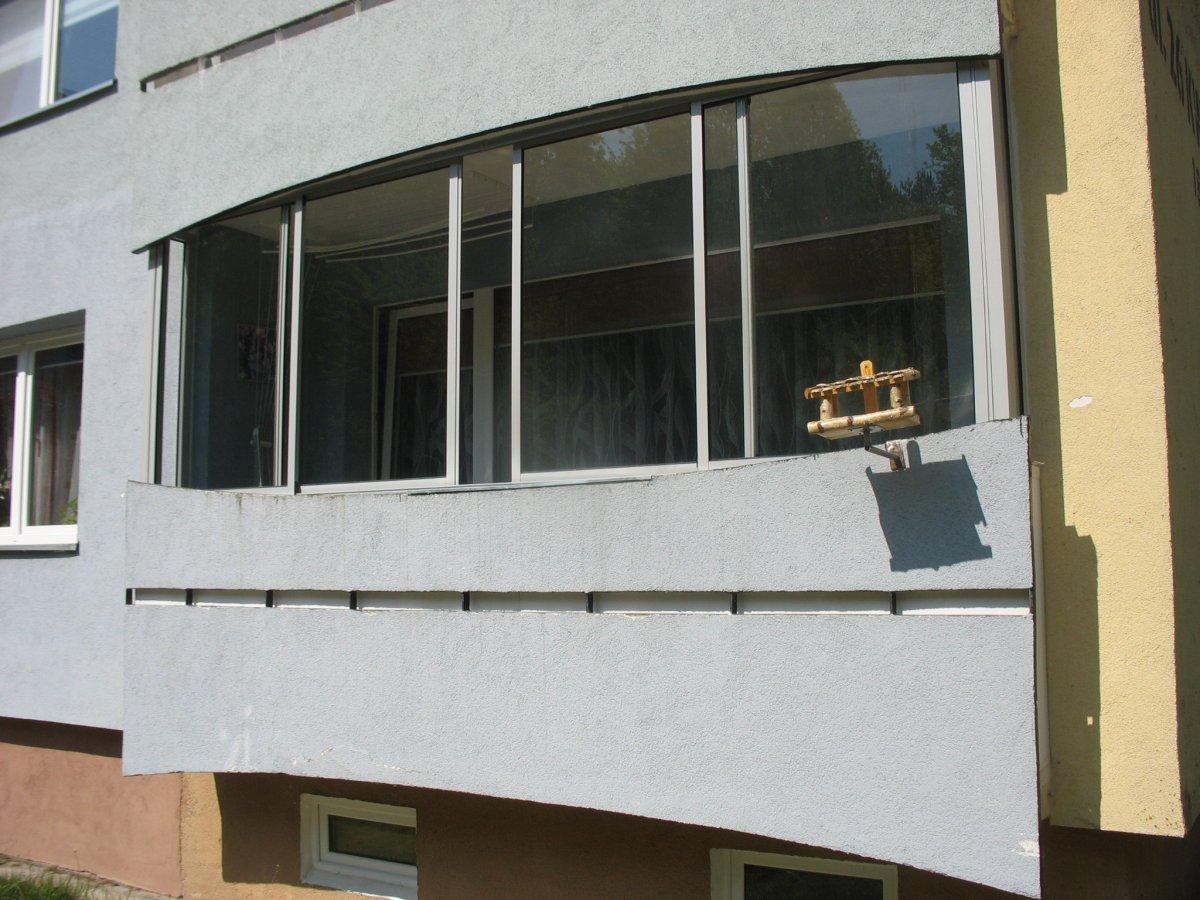 Balkon z zabudową przesuwną