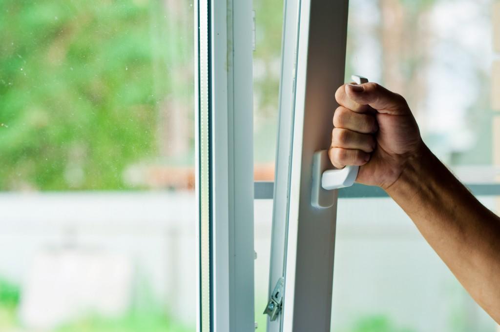 Uchylanie okna pcv