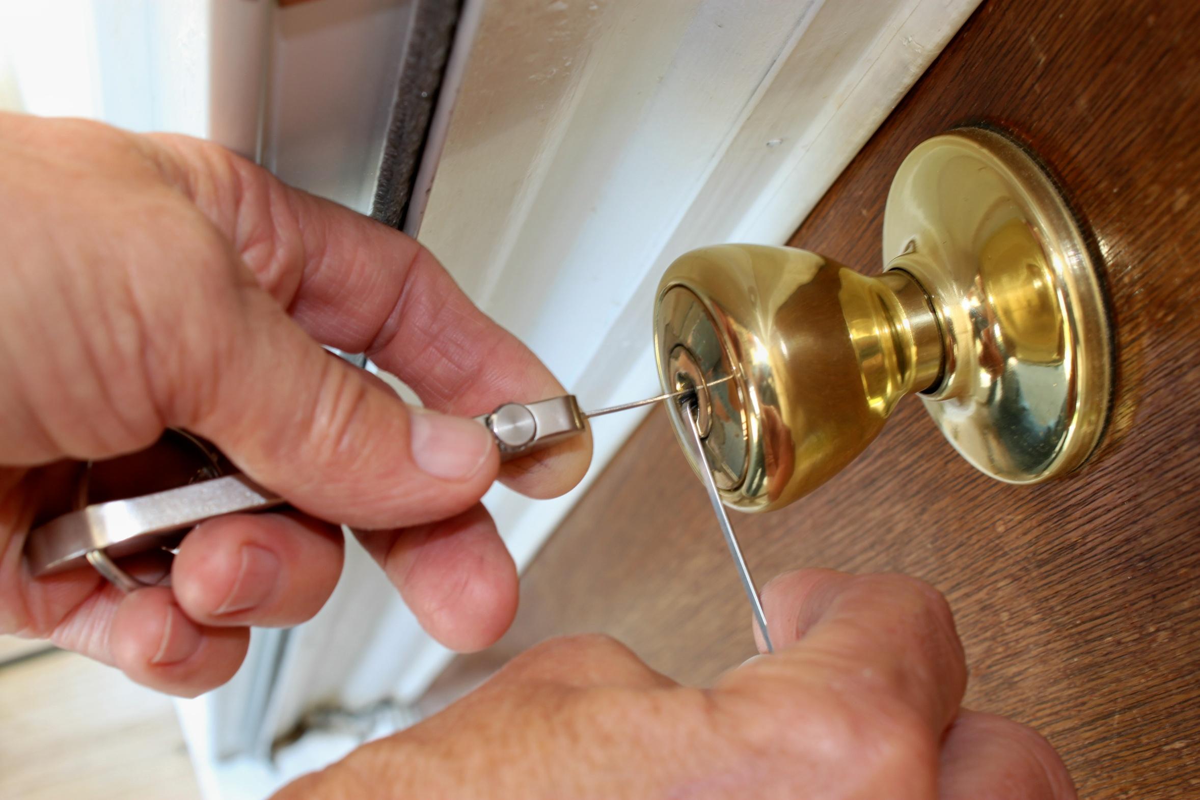 Zadbaj o bezpieczeństwo swego domu dzięki drzwiom antywłamaniowym