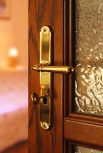 Reprezentatywne drzwi drewniane